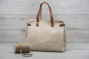 Τσάντα βάπτισης με δερμάτινες λεπτομέρειες